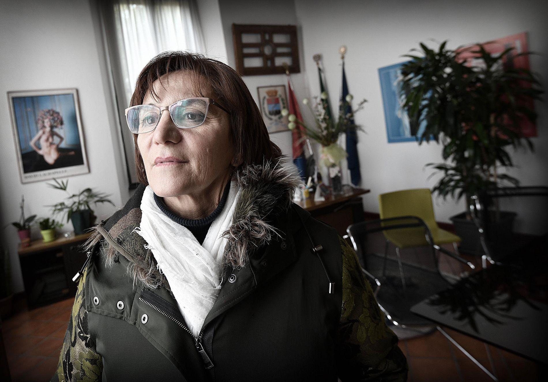 INGEN BUNGA-BUNGA: Arcores ordfører Rosalba Colombo (60) har besøkt Berlusconi i villaen, men understreker at det var en «offisiell visitt».