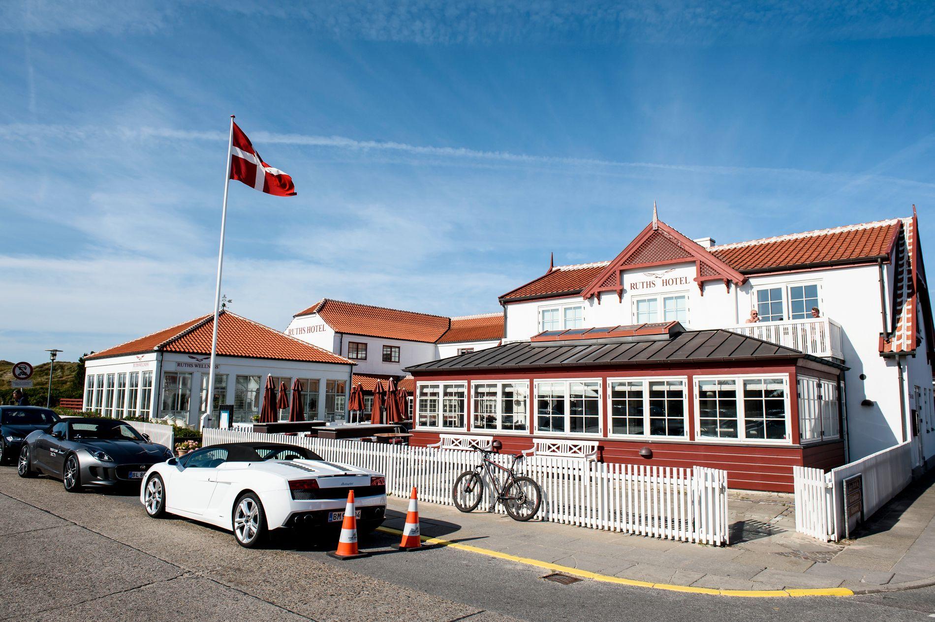 SJOKKERTE: Ruths Hotel er et kjent turisthotell i Gamle Skagen. Administrerende direktør sier at de ikke har visst om hvordan hummerne ble levert til restauranten deres. Foto: RENÉ SCHÜTZE / EKSTRA BLADET