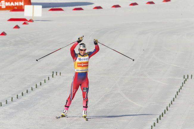 NOK EN TRIUMF: Marit Bjørgen er skidronning på mange arenaer i løpet av sesongen. Hun har befestet stillingen i Holmenkollen gjennom mange år. Det skjedde også på tremilen søndag.