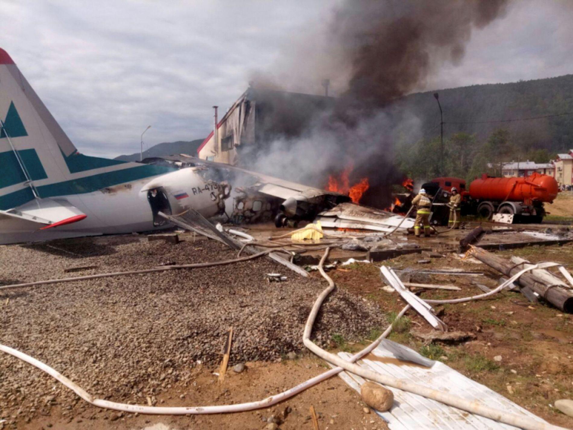 DRAMATISK: Det startet å brenne i flyet under nødlandingen i Nizhneangarsk.