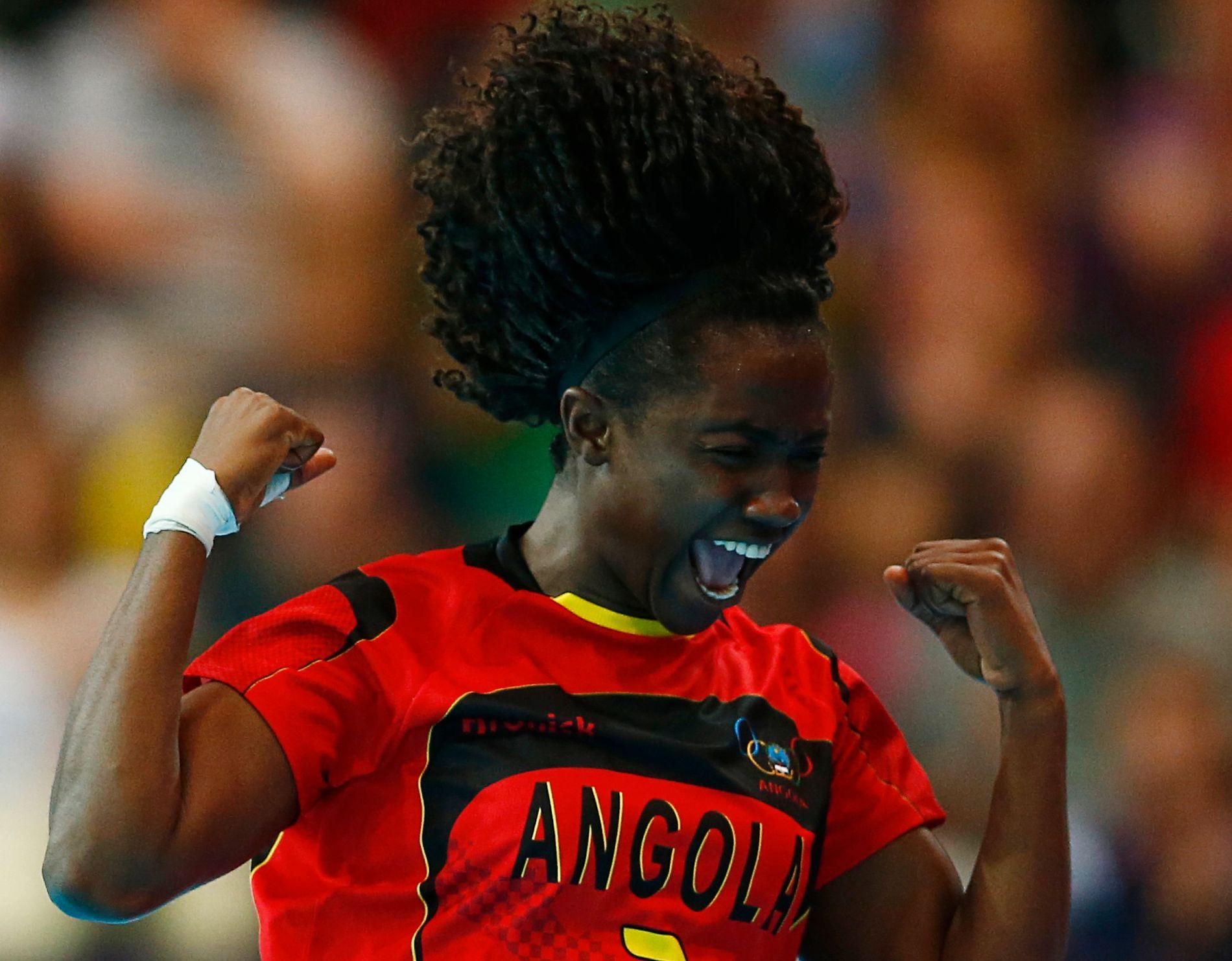HÅRFIN KANT: Carolina Morais jubler for Angola i London-OL. Nå ser høyrekanten ut til å bli Vipers-spiller i Kristiansand.