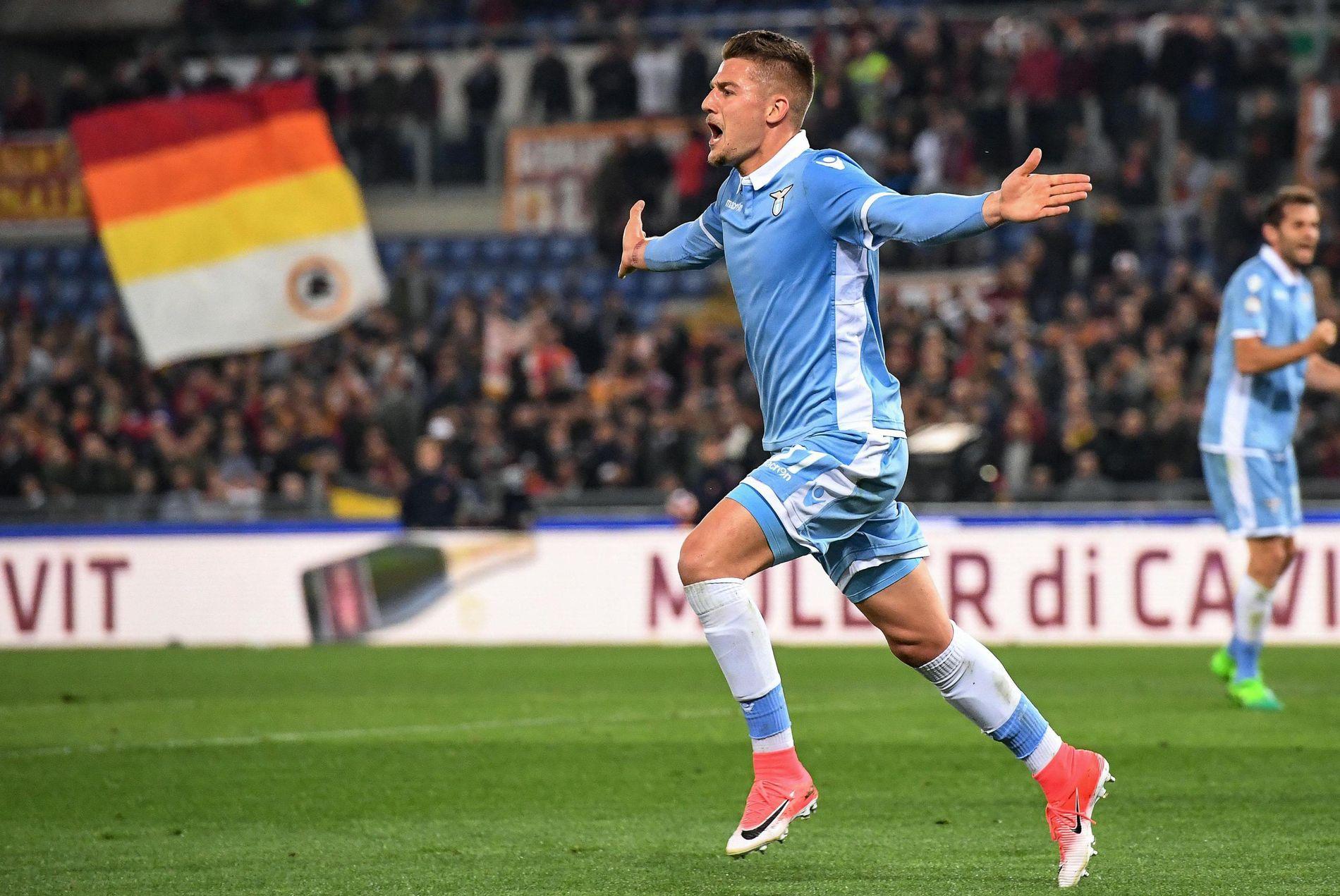 ETTERTRAKTET: Lazio-stjernen Sergej Milinkovic-Savid, her etter scoring mot Roma i en cupkamp i april.