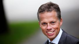 NÆR RELASJON: Kommunikasjonsdirektør Lars Sæthre i Handelsbanken sier de ønsker å bli godt kjent med boliglånssøkere uten fast jobb.