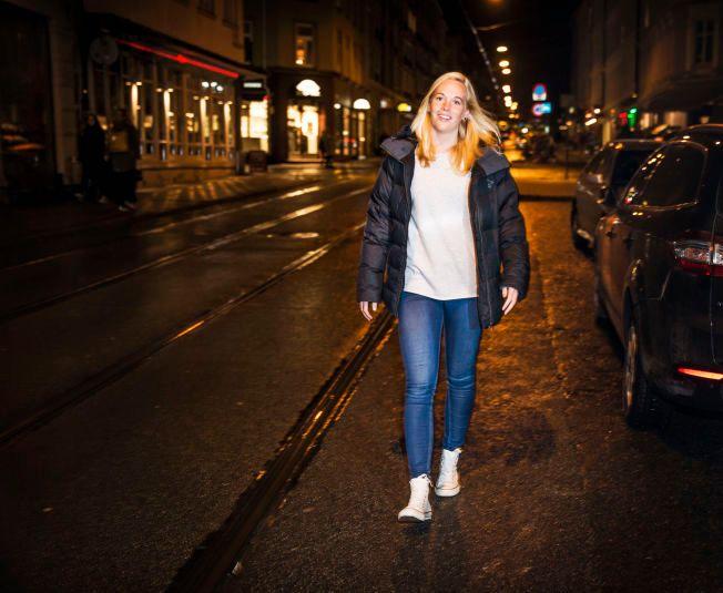 VINNER ALLTID, SPILLER ALDRI: Celine Kommandantvold Pettersen har oftest spilt en betydningsfull rolle utenfor banen når hun har vunnet sine ti gullmedaljer i fotballkarrieren.