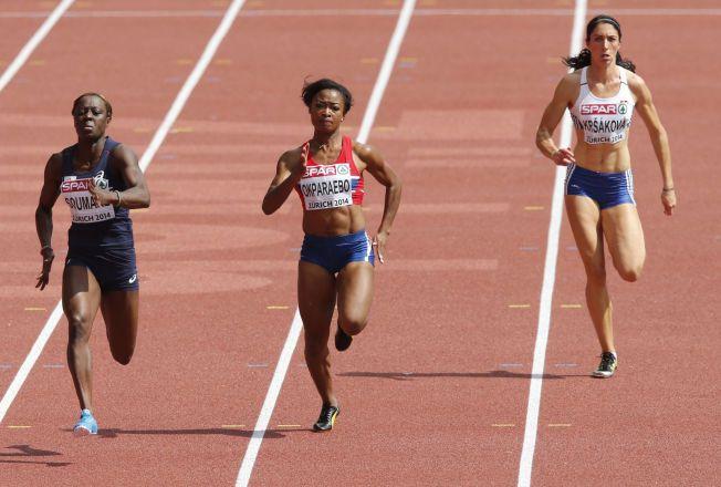 NYTT MESTERSKAP: Sprinter Ezinne Okparaebo (midten) under 100 meteren i EM i fjor.  Lørdag klarte hun VM-kravet under et stevne i Madrid