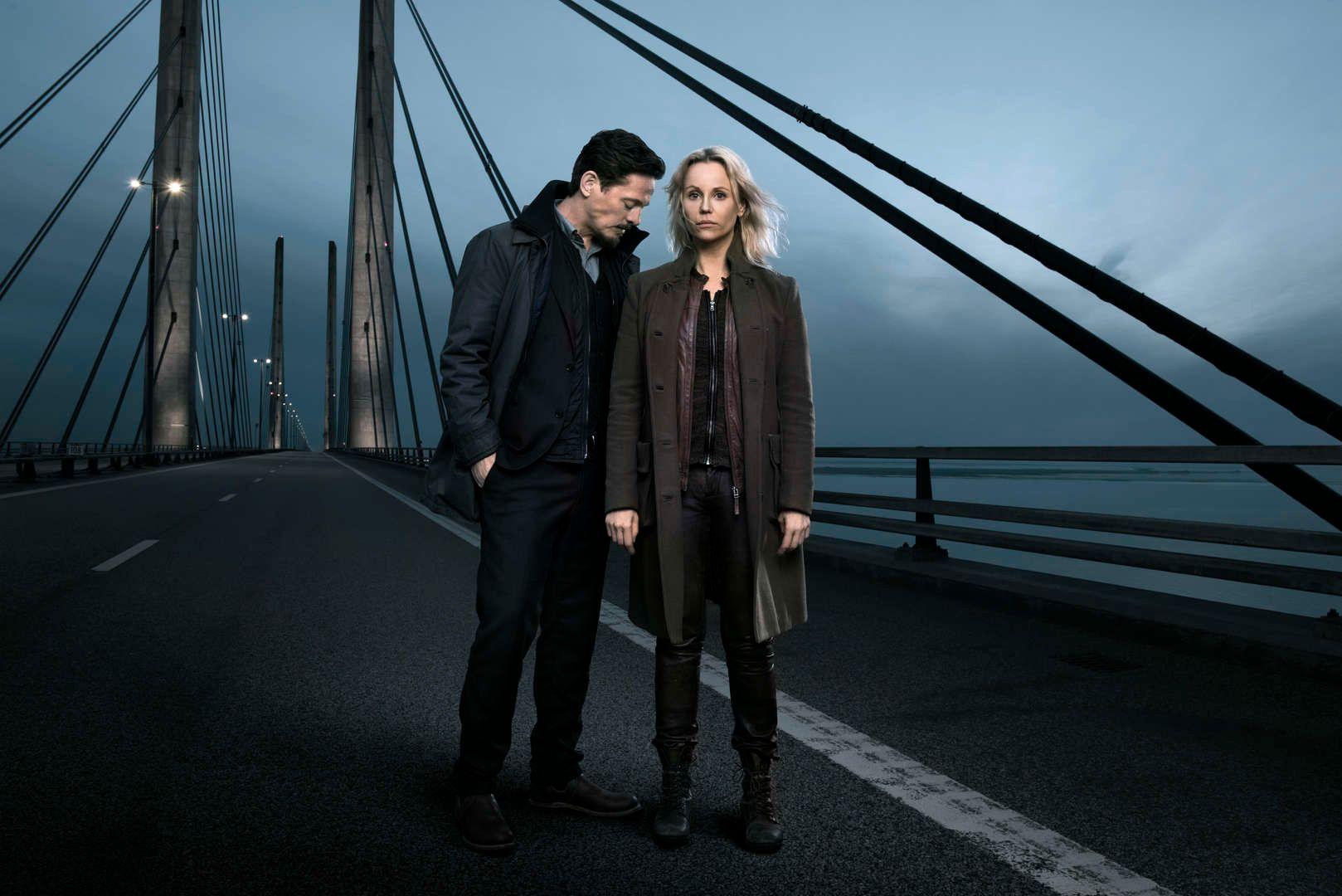 SISTE TUR OVER BROEN: Sofia Helin som Saga Norén og Thure Lindhardt som Henrik Sabroe i «Broen IIII».