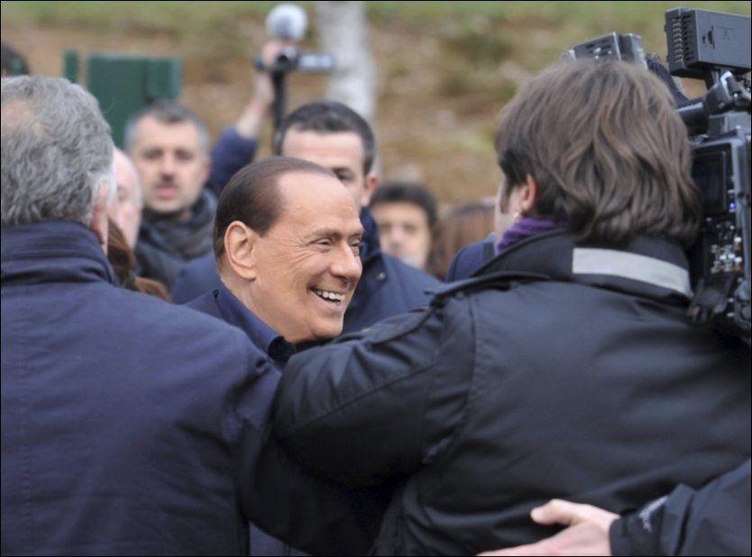 GLISER: Italias statsminister Silvio Berlusconi har ikke overraskende varslet comeback i politikken. Foto: Ap