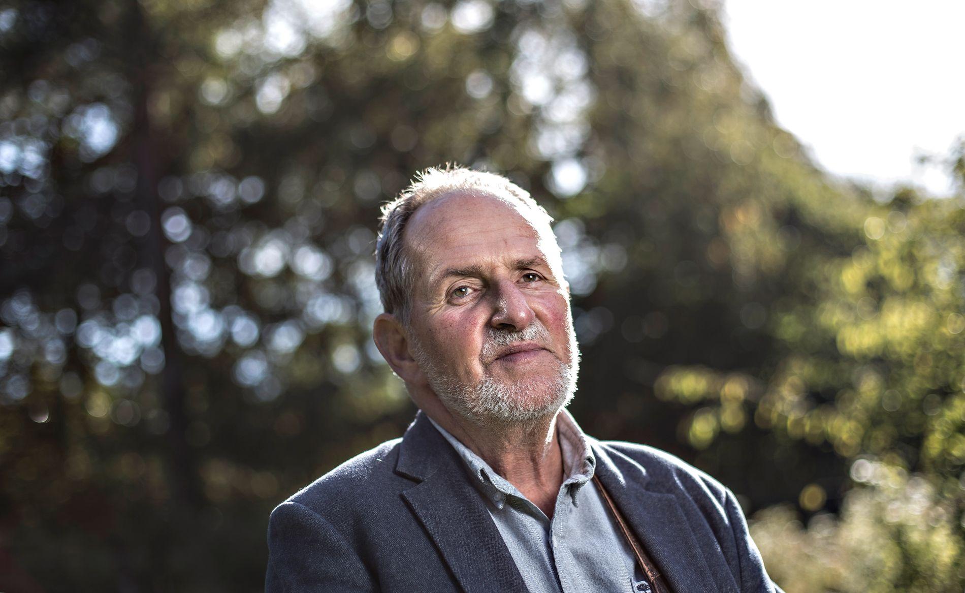 UTSETTER PROSJEKT: Jon Michelet (73), her ved sitt hjem på Larkollen.