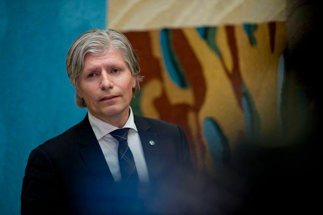 VIL GJØRE DIESEL DYRERE: Ola Elvestuen (V) varsler at Venstre vil gjenta kravet om avgiftsøkning på diesel for å få ned forbruket,