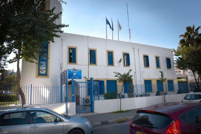 PÅ POLITISTASJONEN. Espen Lee og de to andre norske mennene sitter fengslet på tre forskjellige politistasjoner i Nikosia, en av dem på Lykavittos politistasjon.