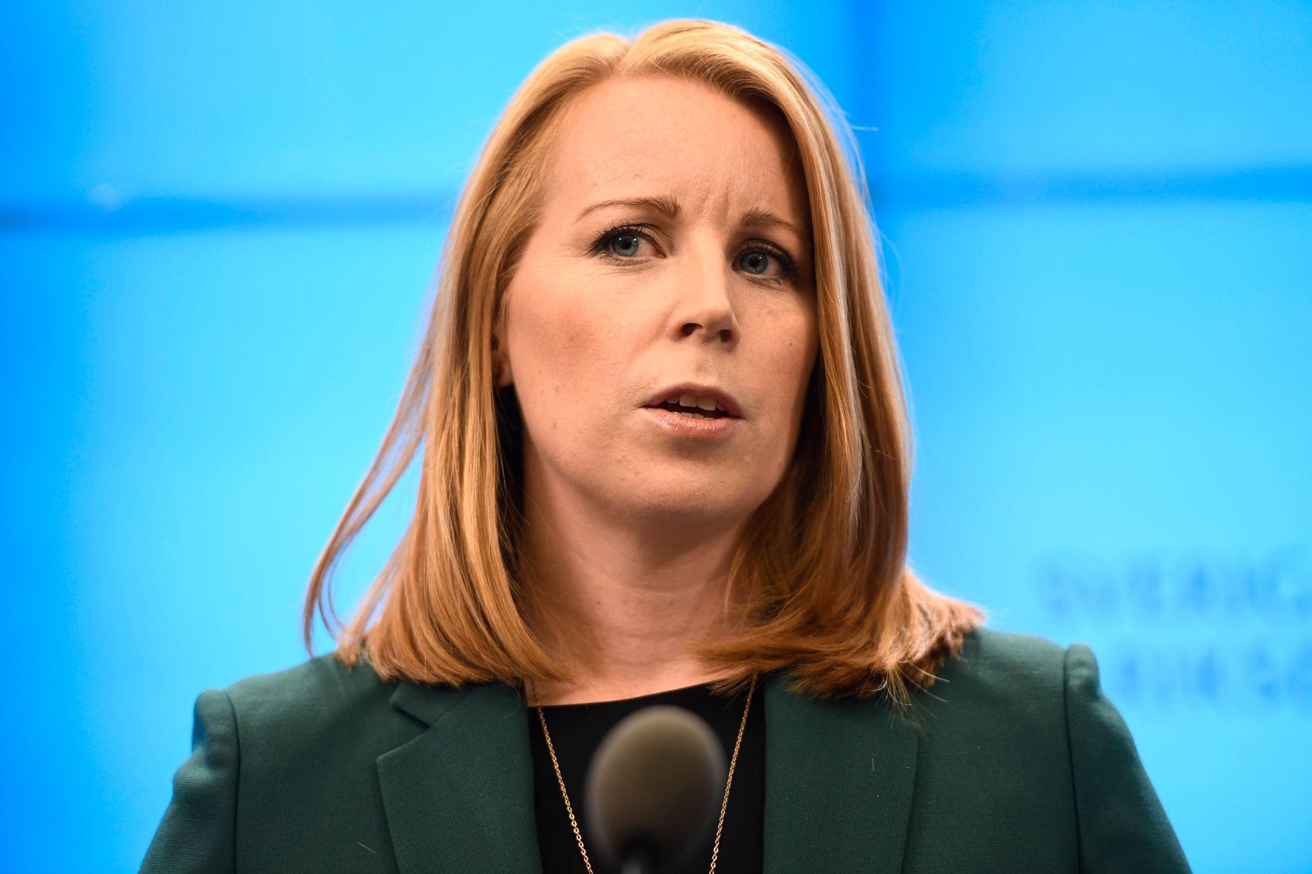 NEI: Annie Lööf sier at det ikke er grunnlag for samarbeid med Socialdemokraterna og Stefan Löfven.