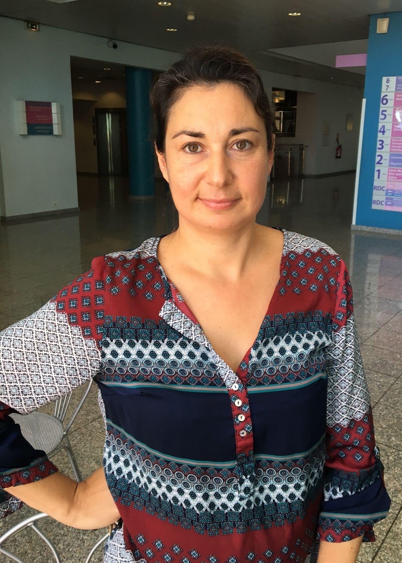 ANGREP: Stephanie Simpson som er kommunikasjonsdirektør ved barnesykehuset Lenval i Nice, sier til VGs reporter at to barn døde på operasjonsbordet i natt, som følge av terrorangrepet.