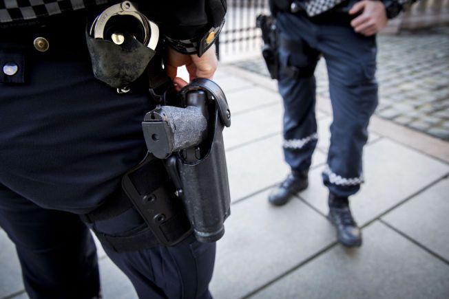 AVFYRT: Dette våpenet, en H&K P30L, er politiets standardutrustning i den midlertidige bevæpningen. Det er involvert i to vådeskudd inne på norske politistasjoner de siste tre månedene.