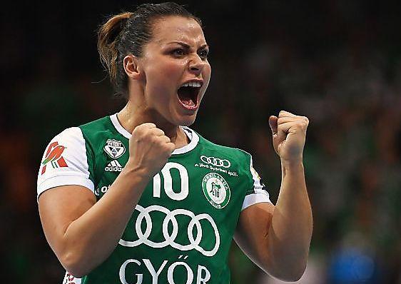 LØSNET I DANMARK: Nora Mørk satte klubbrekord med 13 Champions League-scoringer sist lørdag. Etter en vanskelig tid gikk det endelig bedre mot FC Midtjylland i Danmark.
