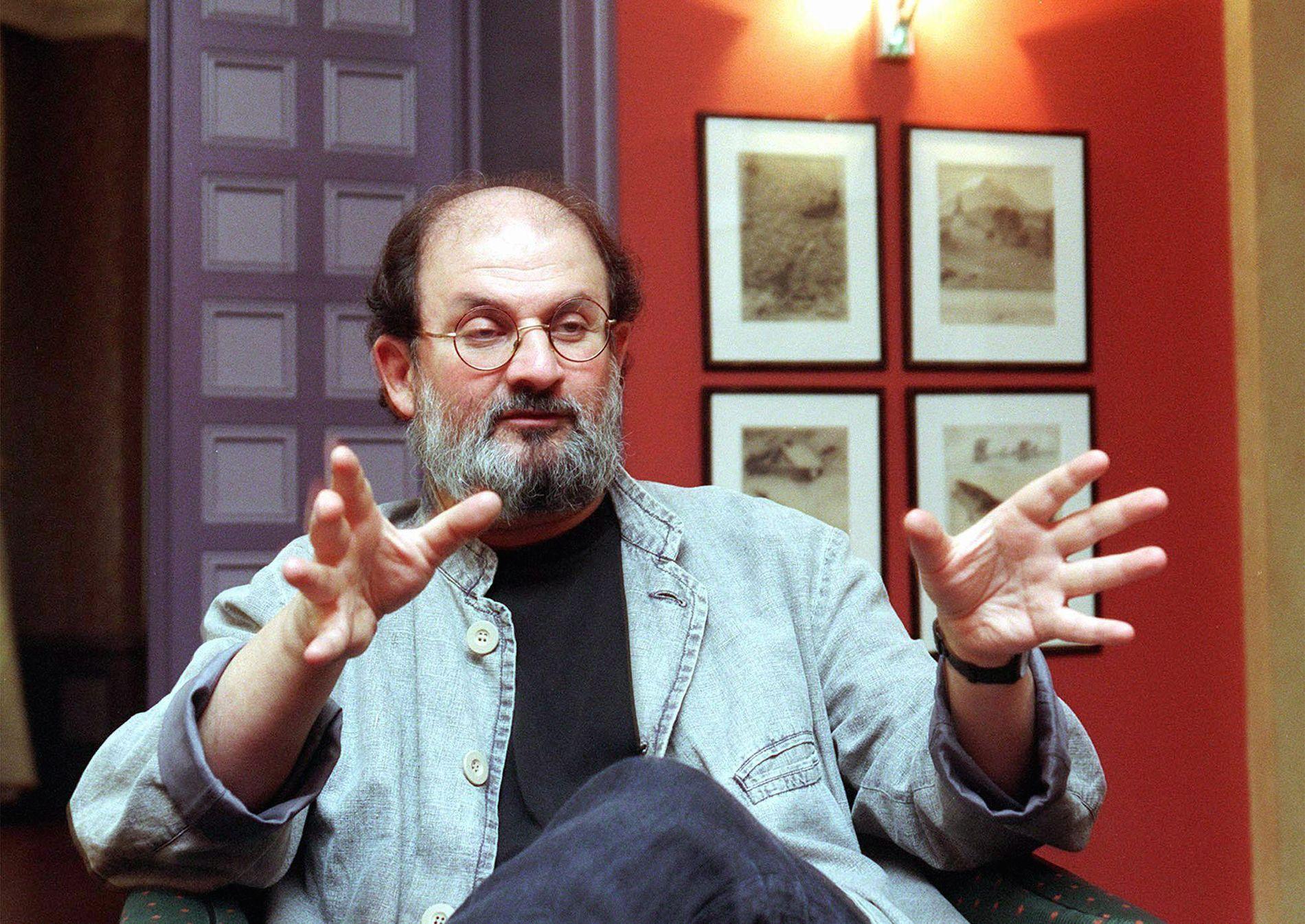 DRAPSTRUET: Forfatteren Salman Rushdie er mest kjent for kontroversene rundt romanen Sataniske vers, som ble utgitt i 1988. Her på et bilde fra 1997.