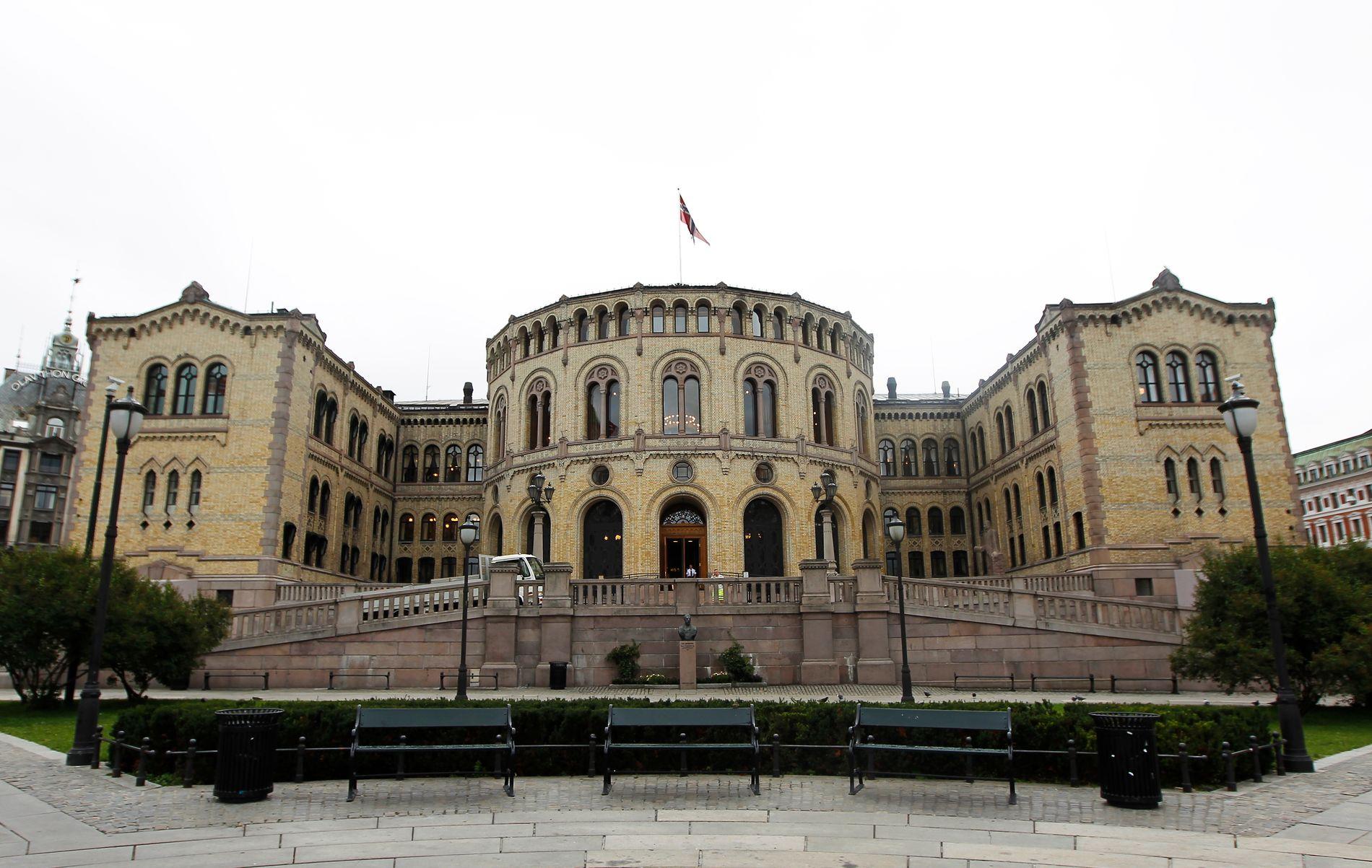 SKAL SIKRES MOT LEKKASJER: Mandag tas ekstra sikkerhetsforanstaltninger på Stortinget. Foto:ROGER NEUMANN/VG
