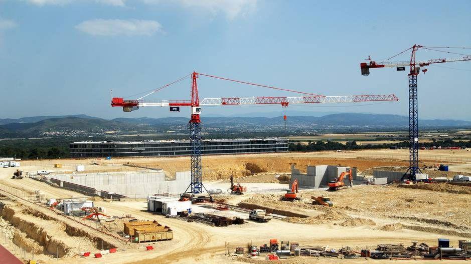 VERDENS STØRSTE: Her bygges fundamentet til verdens største fusjonsreaktor.