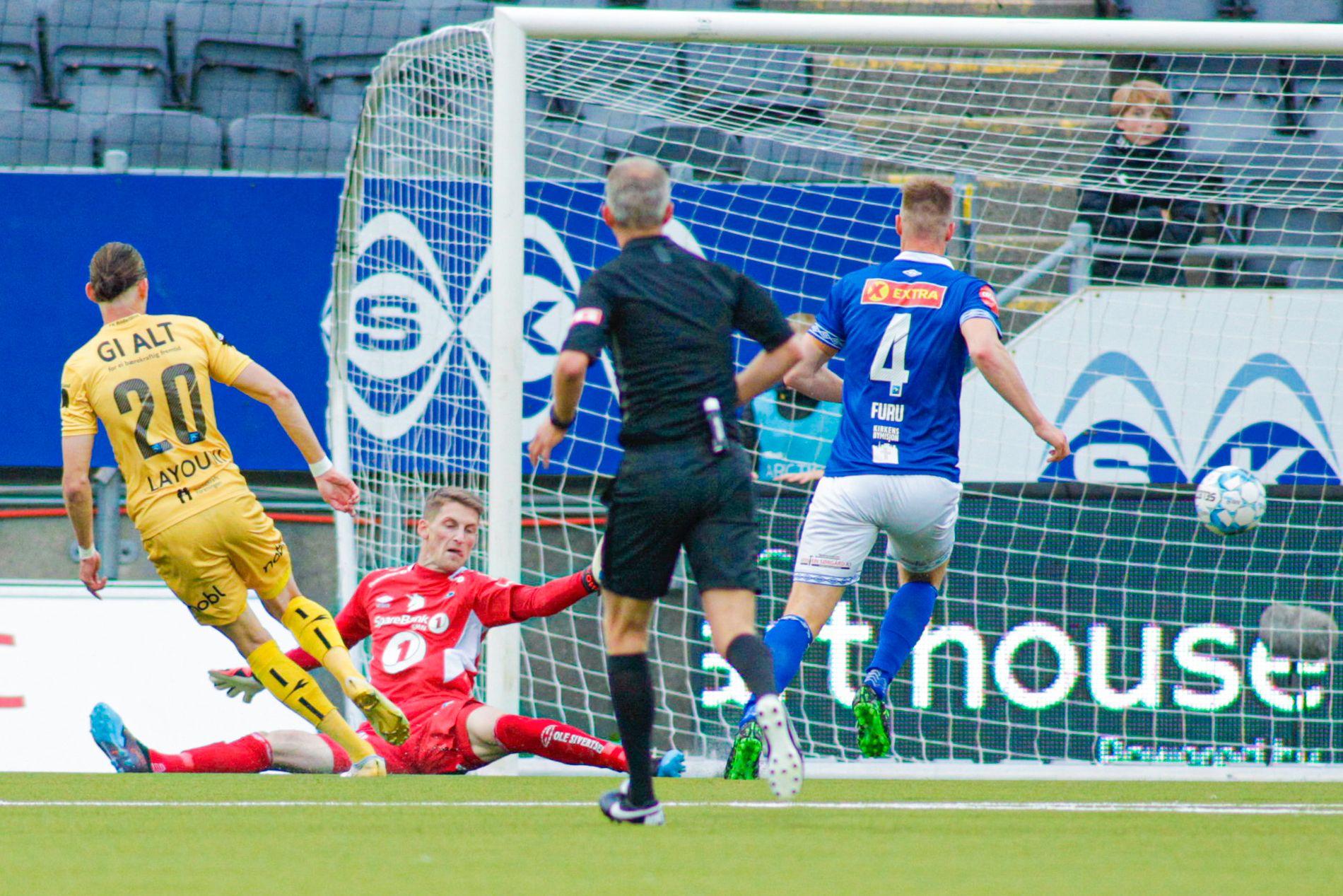 MÅL: Amor Layouni setter inn 1–0 bak Ranheim-keeper Even Barli.