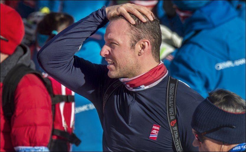 HJEM TIL NORGE: Aksel Lund Svindal forlater Sotsji. Foto: Helge Mikalsen, VG