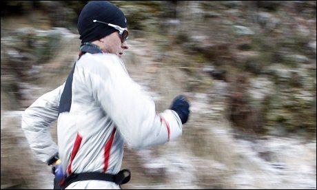 DRØMMER OM OL: Dopingtatte Erik Tysse, her på treningstur i Hausdalen, håper å kvalifiserer seg for London-OL gjennom en konkurranse arrangert bare til ære for ham. Foto: HALLGEIR VÅGENES / VG .