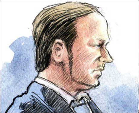 I RETTEN: Anders Behring Breivik møtte pårørende og presse for første gang etter terrorangrepet 22.juli. Foto: Tegnet av: Harald Nygård