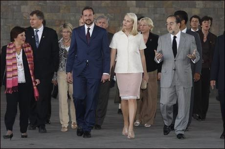 ØKOTILHENGERE: Kronprins Haakon og kronprinsesse Mette-Marit, her på besøk i Mexico, vil drive økologisk på Skaugum. Foto: Scanpix