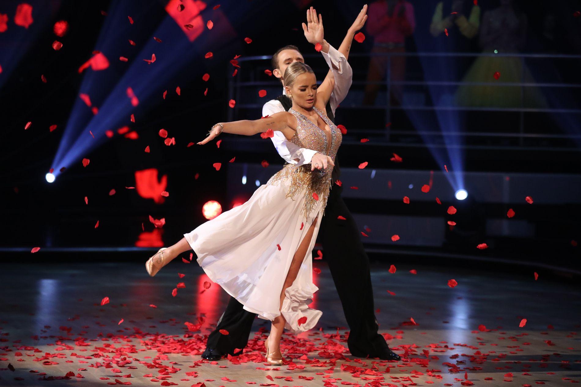 100918b5 Sophie Elise trakk seg fra «Skal vi danse»: Martine Lunde (22) videre med  tre minuspoeng