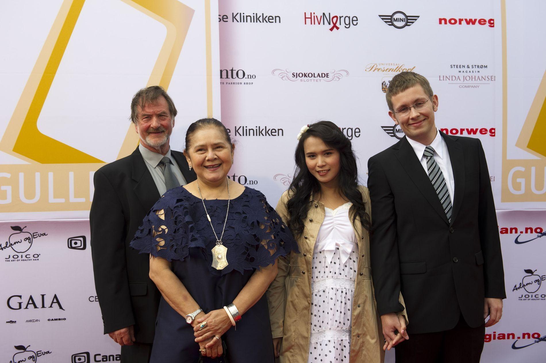 Lars Johan Nygård (t.v.), Nantaya, Koy og Kay Are Ulvestad fra «Et lite stykke Thailand» på rød løper før Gullruten i Grieghallen i Bergen.