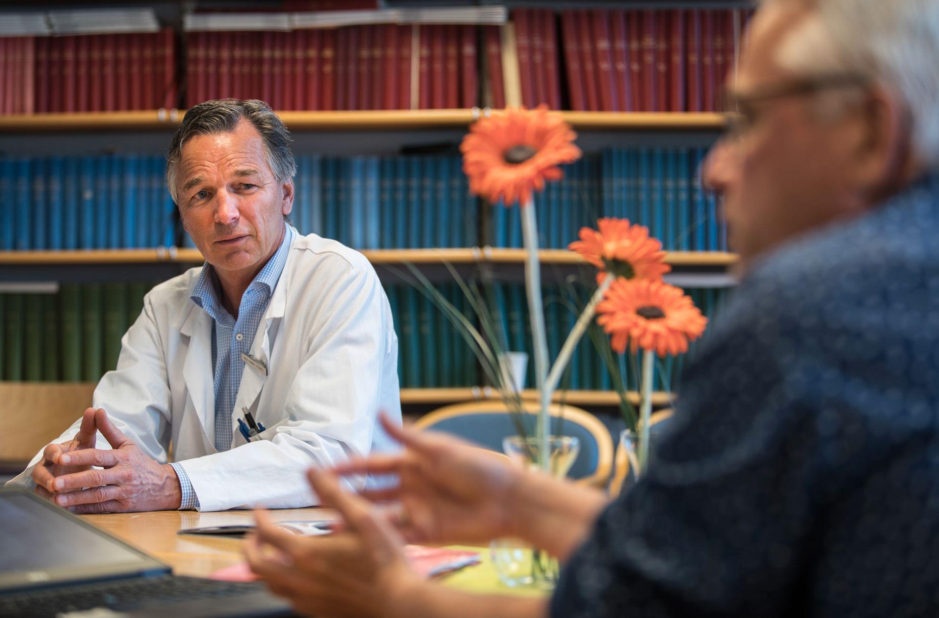 ENGASJERT: Professor og overlege Ole-Bjørn Tysnes har store forhåpninger til fremtidens ALS-forskning.