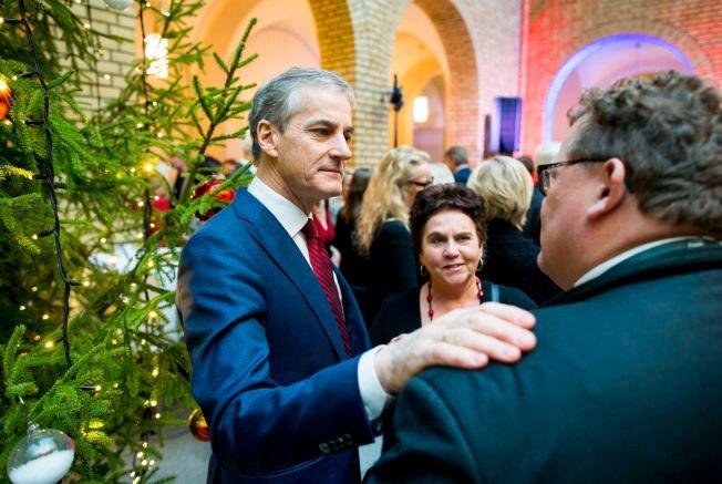 JULESTEMNING: Ap-leder Jonas Gahr Støre på Stortingets julelunsj mandag. Han vil ikke foreta seg noe med norsk olje- og gassproduksjonen som følge av klimaavtalen i Paris.