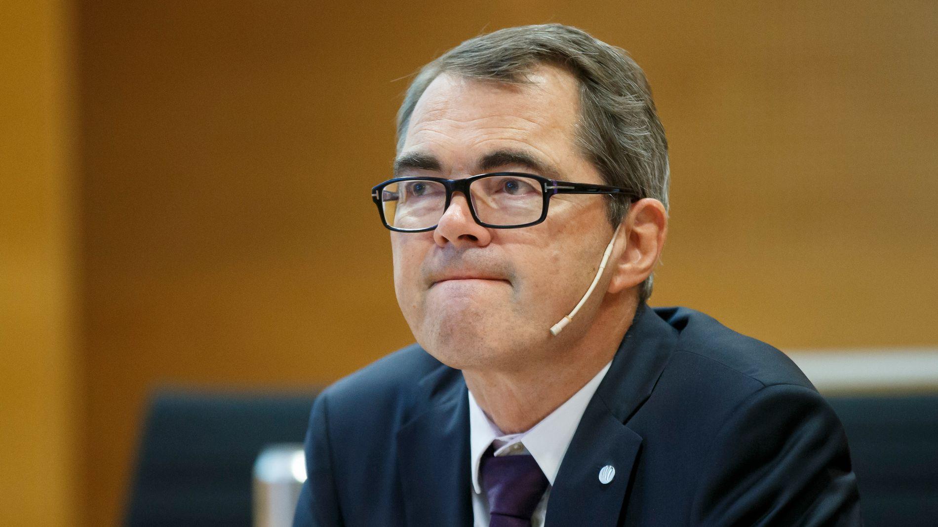 FÅR KRITIKK: Senterpartiet er kritiske til at Hydro-sjef Svein Richard Brandtzæg selv ble orientert om Brasil-utslipp ni dager før selskapet først innrømmet utslipp i offentligheten.