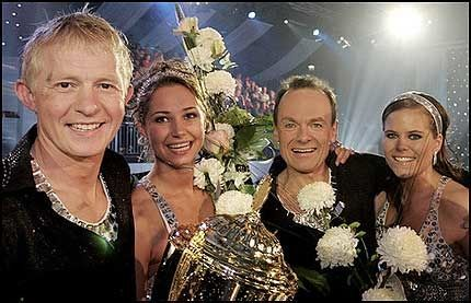 GLADE ISDANSERE: Pål Anders Ullevålseter og Anna Pouchkova vant, mens Per Christian Ellefsen og Marianne Fjørtoft kom på 2. plass. Foto: Momentum images