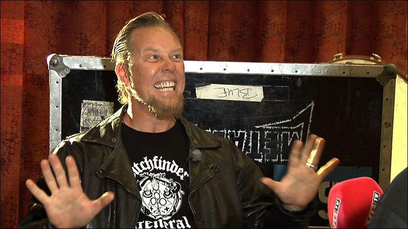 STORFORNØYD: Metallica-vokalist James Hetfield er imponert over Bergensscenen. Foto: Marianne Tessem