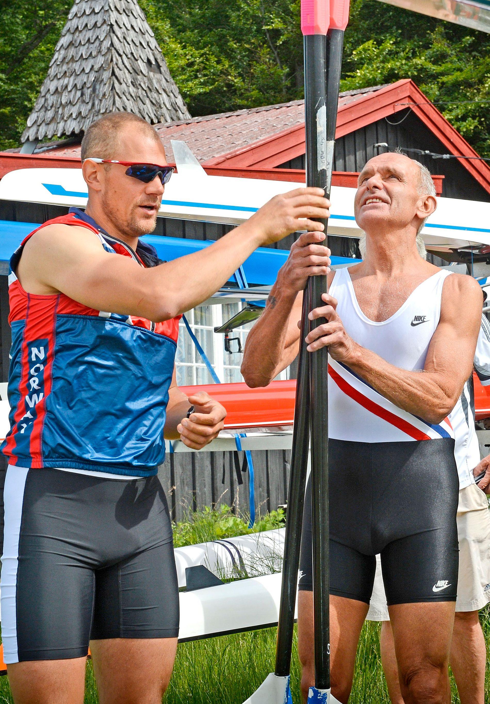 I SAMME BÅT: Olaf Tufte og Alf Hansen møttes i VG-regi og rodde samme båt på Årungen i 2012.