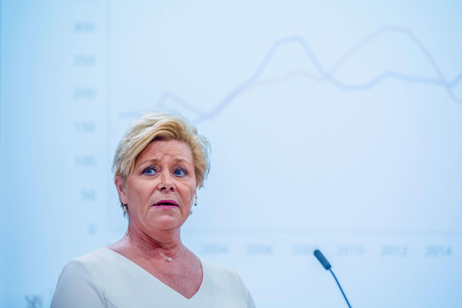 Frp-leder Siv Jensen sier hun ikke er fornøyd med målingen som viser at MDG er større enn Frp. Foto: Stian Lysberg Solum / NTB scanpix