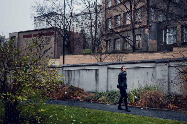 VGHelg Deg og meg - Rut Helen Gjævert brøt med den kristne misjonsbevegelsen Jesus Revolution. I botanisk hage gikk hun og ba.
