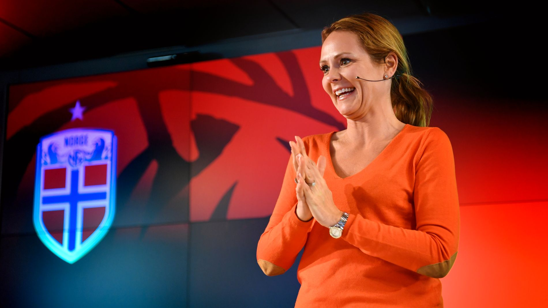 KULTURMINISTER: Linda Hofstad Helleland i forbindelse med uttaket av Norges EM-lag i sommer.