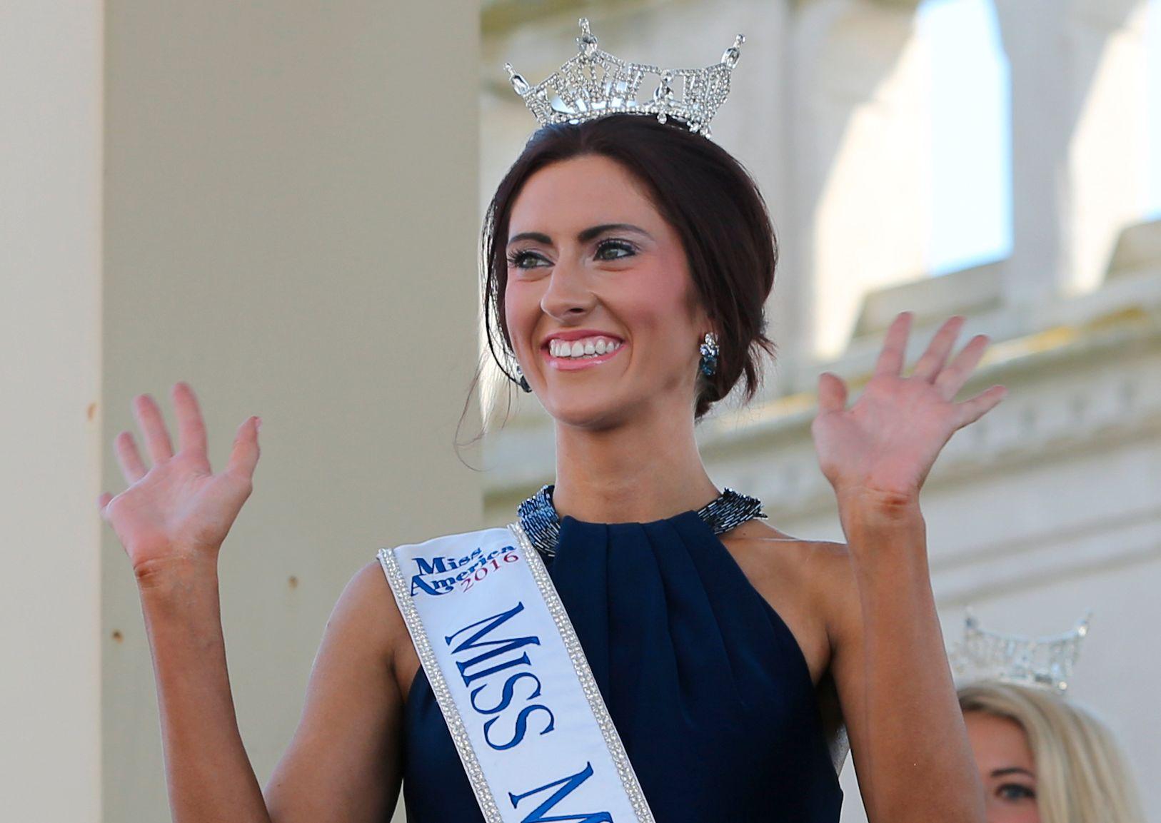 KONKURRERER: Miss Missouri, Erin O'Flaherty, har selvmordsforebygging som sin kampsak under Miss America-missekonkurransen. Her i Atlantic City forrige uke.