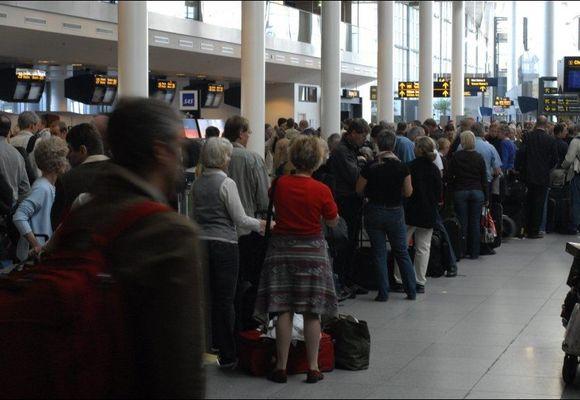 Streik kan føre til full stans i flytrafikken 2. juli