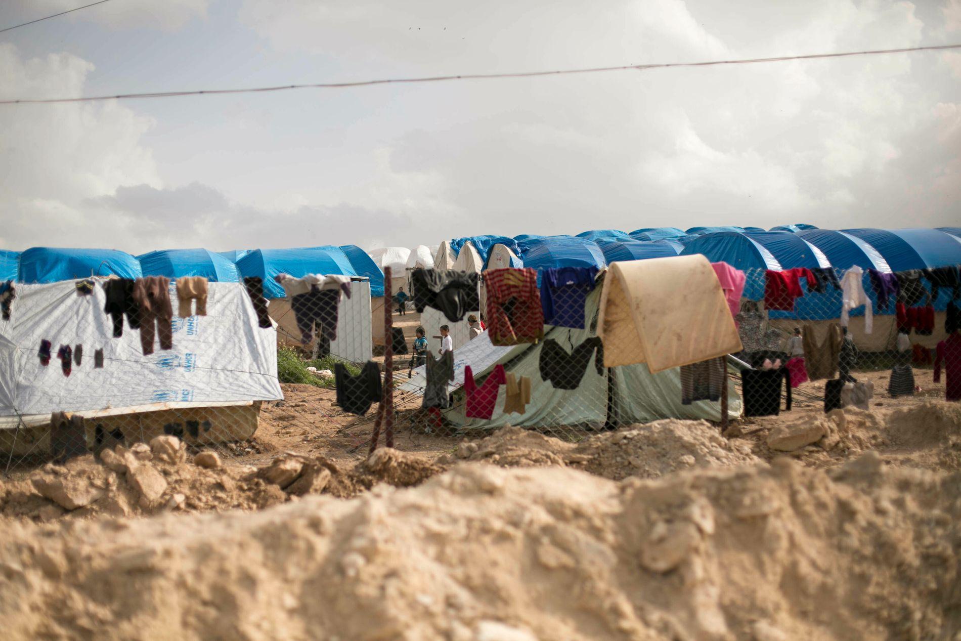 VANSKELIGE FORHOLD: Det er flere nordmenn og norske barn  internert i flyktningleiren al-Hol i Syria.