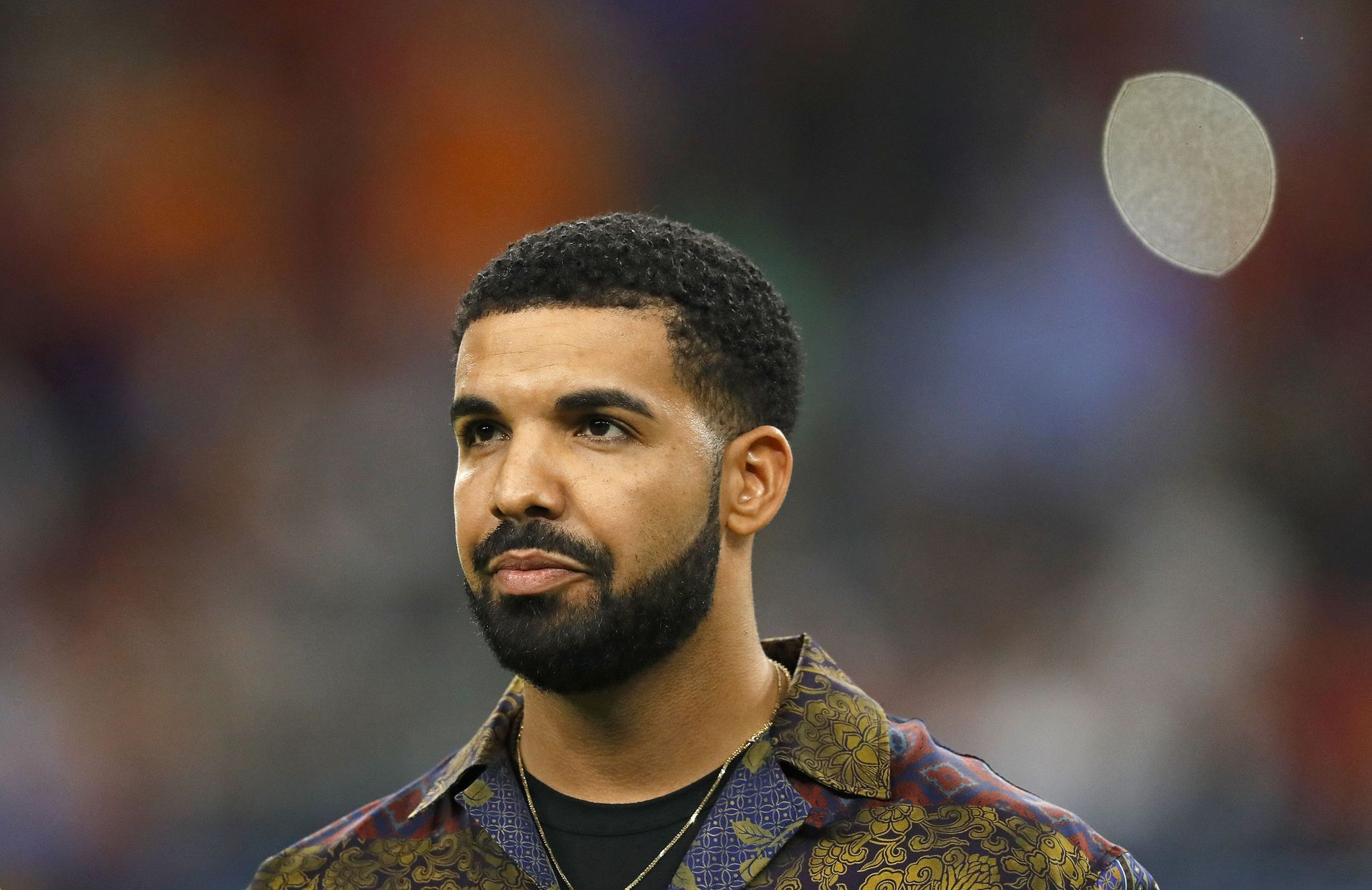MISTET VENN: Rapperen Drake hyllet sin avdøde venn Smoke Dawg på Instagram. Her fra en fotballkamp i 2017.