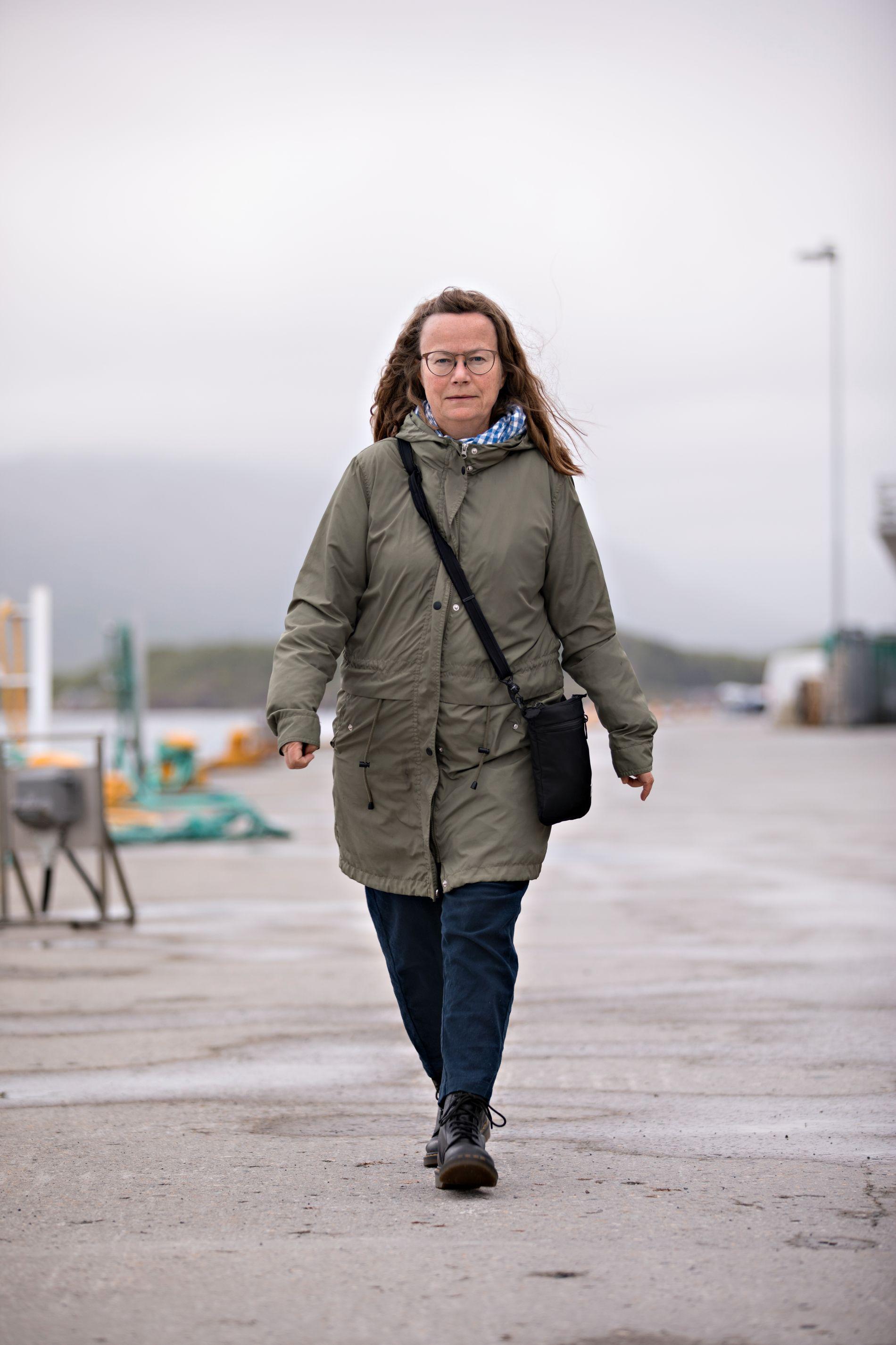 ENSOMT: Margit Steinholt har jobbet flere år med jordmødre i distriktet Helgeland i Nordland. Hun tror mange kommunale jordmødre mangler et faglig nettverk og føler seg alene.