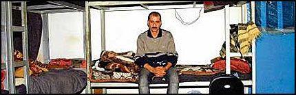 REISENS ENDE: 15 menn deler en celle i arbeidsfengselet i Suleimaniya. Faraidun sitter alene på det som trolig blir han siste hjem. Foto: OLE DAG KVAMME