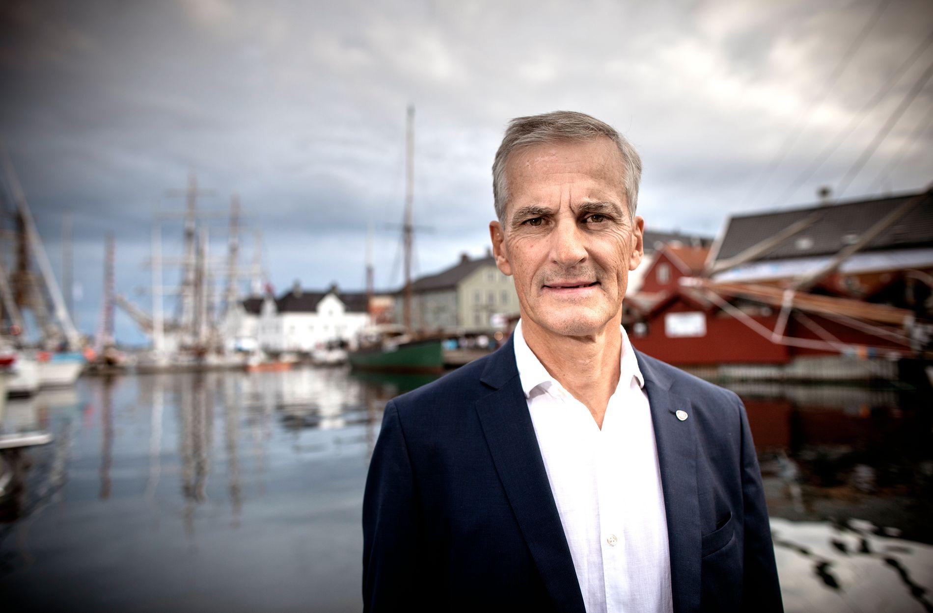: Ap-leder Jonas Gahr Støre synes det er utidig at Finnmark får skylden for at hele regionsreformen trues, fordi de sier nei til sammenslåing med Troms.