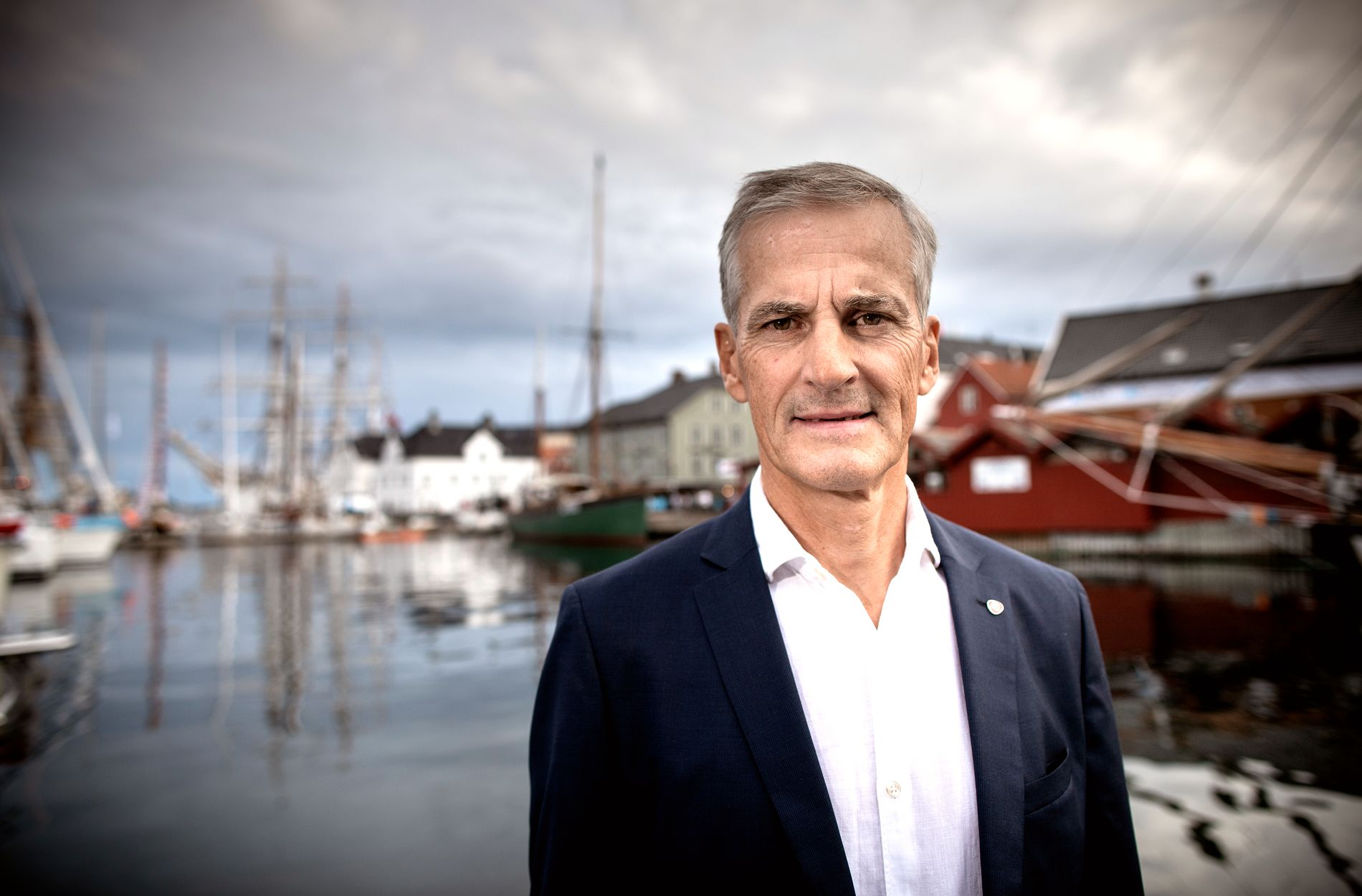 : Ap leader Jonas Gahr Støre is sorry that Finnmark is being blamed for the entire regional reform being threatened because they say no to a merger with Troms.