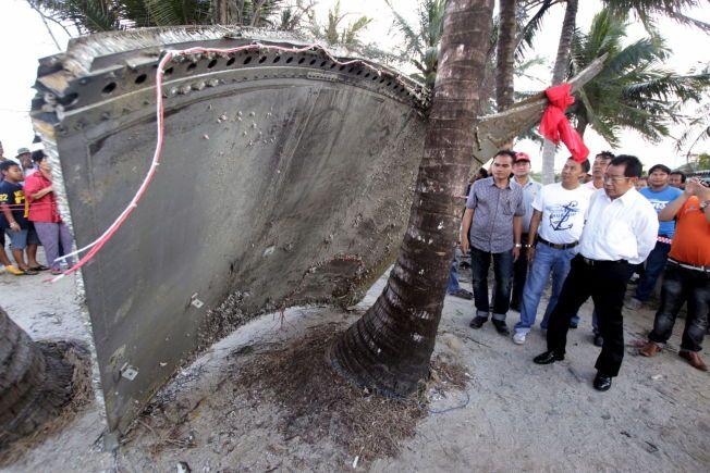 NYE SPOR: En flydel som ble skylt i land i Nakhon Si Thammarat den 24. januar 2016, ble antatt å stamme fra Malaysia Airlines MH370. Dette ble senere avkreftet. To år etter at flyet sporløst forsvant, kommer det fortsatt nye spor: for en snau uke siden ble vrakdeler skylt i land i Mosambik. Disse stammer etter alt å dømme etter MH370, opplyser en luftfartskilde til CNN.