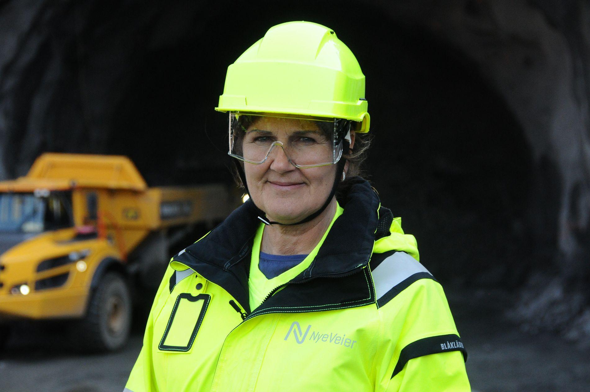 FORNØYD: Adm.direktør Ingrid Hovland i Nye Veier kan legge fram gode tall for virksomheten.