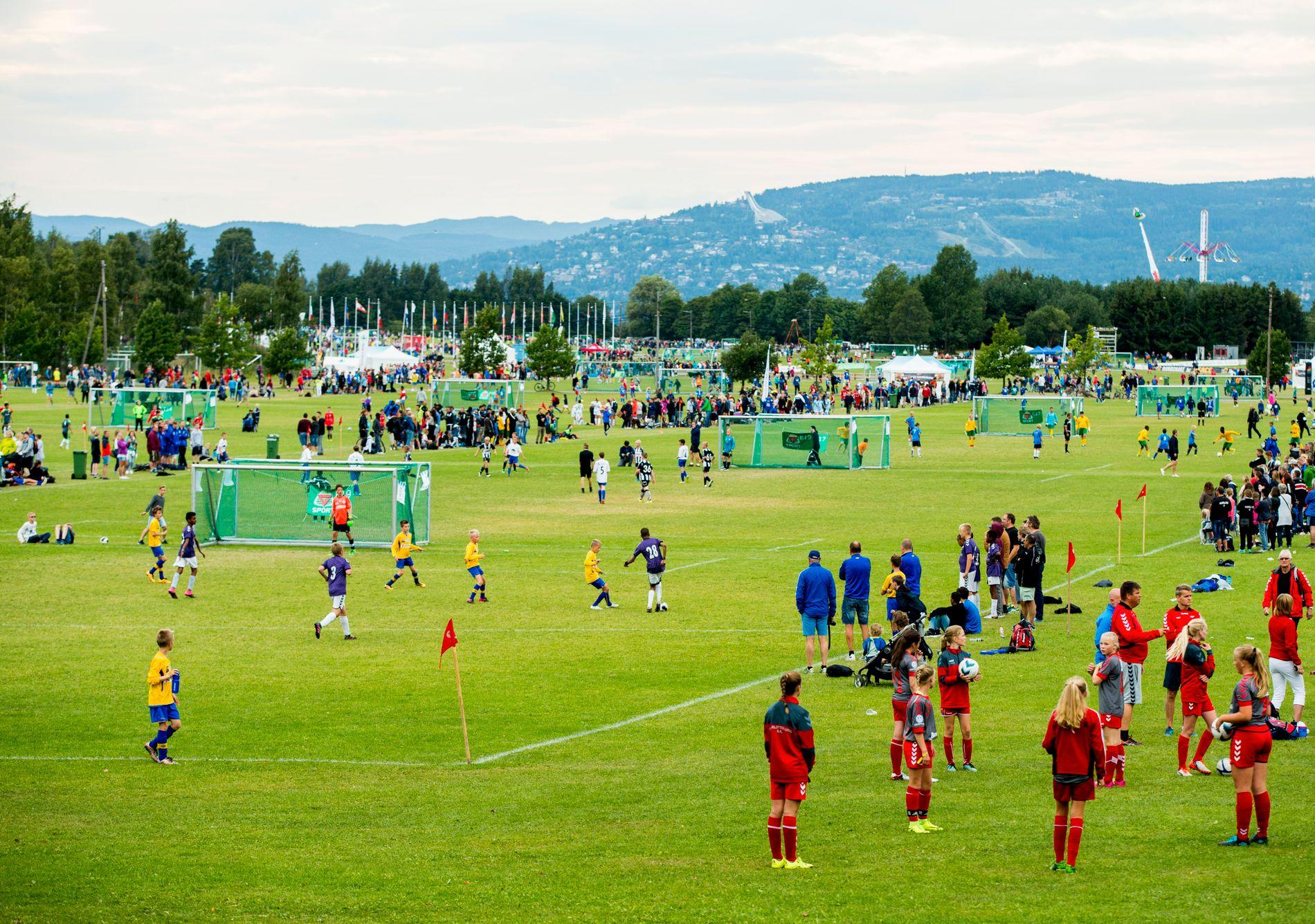 ANMELDT: Flere gutter er anmeldt etter beføling på Norway Cup.