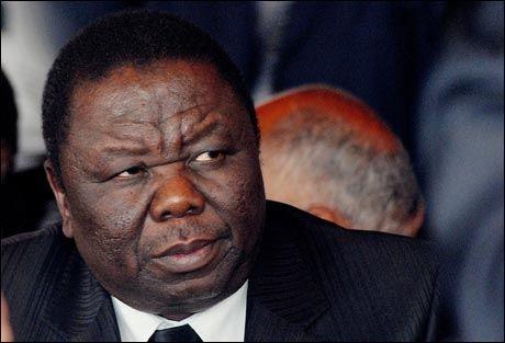 BLIR IKKE ENIGE: Morgan Tsvangirai(MDC) truer med å trekke seg fra maktdelingsavtalen. Foto: AFP