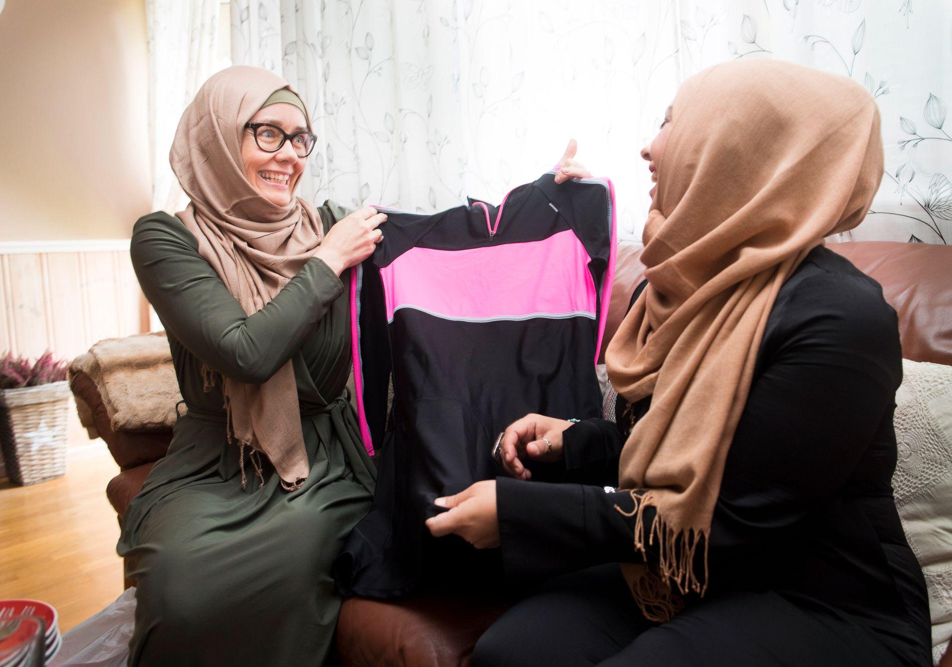 KONTROLL:  – Muslimske kvinner som Maryam Trine Skogen og Laial Ayoub har fått mye hest og kritikk på sosiale medier og på SMS på bakgrun av samfunnsengasjement og åpenhet. Mange tør ikke stå frem av frykt for konsekvensene. Foto: FREDRIK SOLSTAD, VG